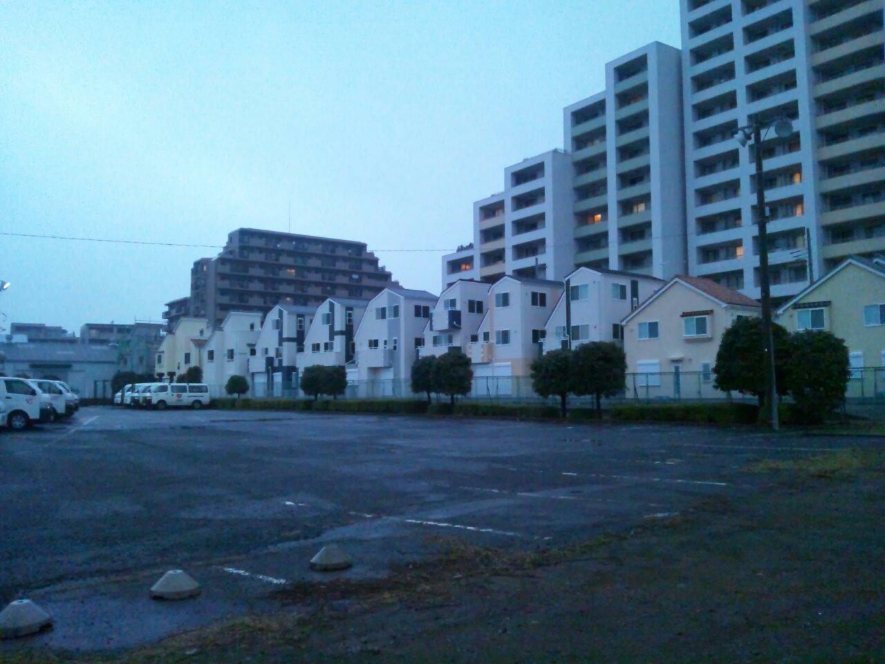 南町田駅北側の建て替え中のマンション